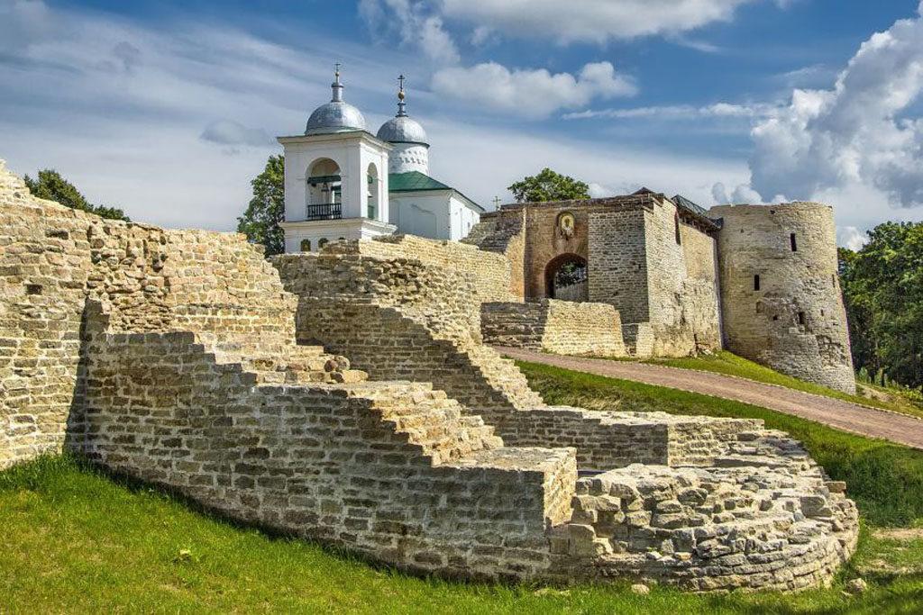 03 1024x683 - Visitando a aldeia medieval russa