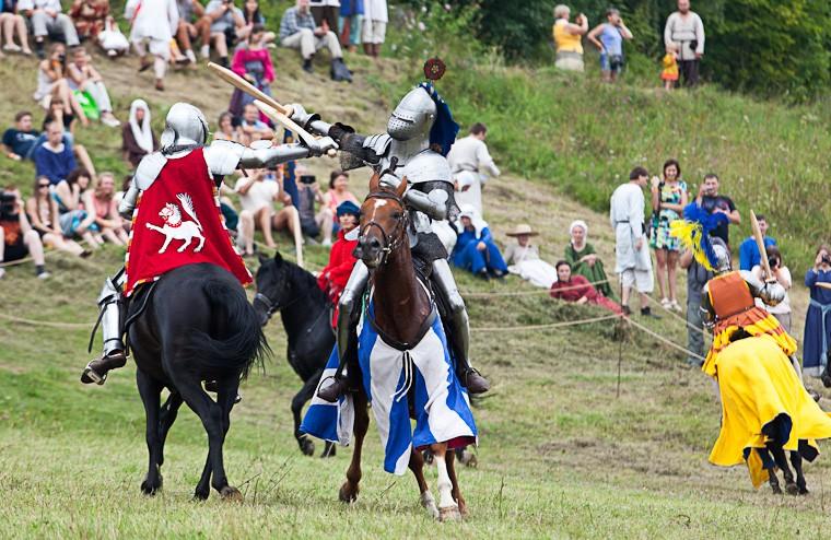 15 - Visitando a aldeia medieval russa