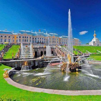 01 350x350 - 4 locais para visitar em São Petersburgo no verão
